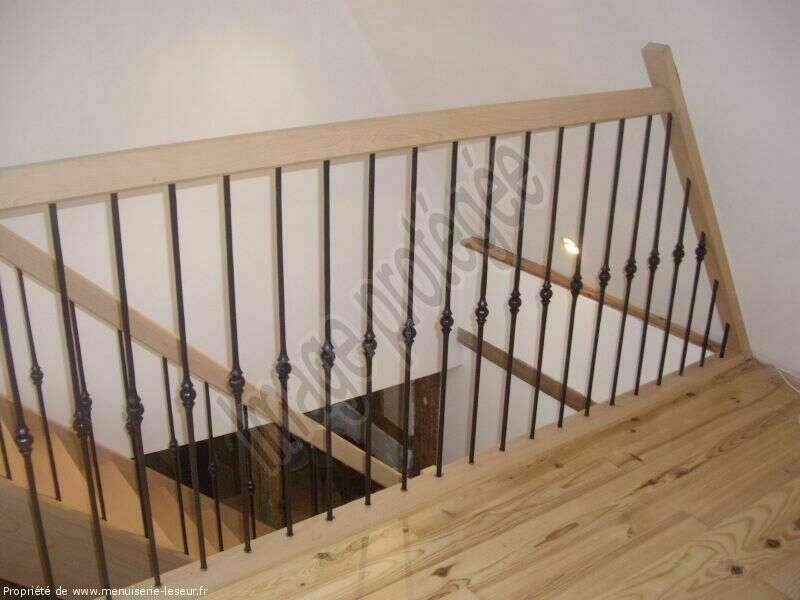 Garde-corps en hêtre, barreaux fer - No 45 Artisan menuisier - escaliers sur mesure en Seine-Maritime, Stéphane Leseur