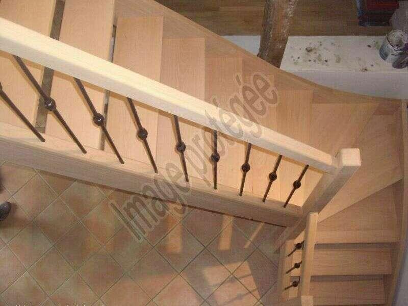 Escalier 1/4 tournant en hêtre, balustres barreaux fer - No 45 Artisan menuisier - escaliers sur mesure en Seine-Maritime, Stéphane Leseur