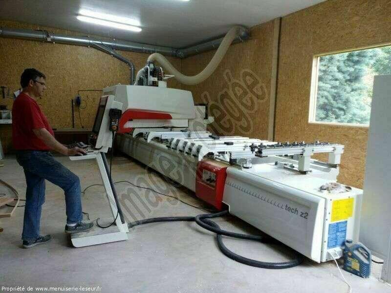 Centre d'usinage  Machine numérique hautes technologies pour l'exécution des limons, marches et contremarches. D2coupage, entaillage