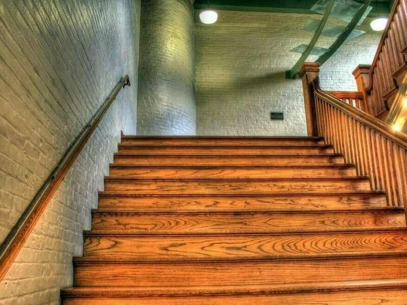 escalier_2a154420210306-1231294-189oexn