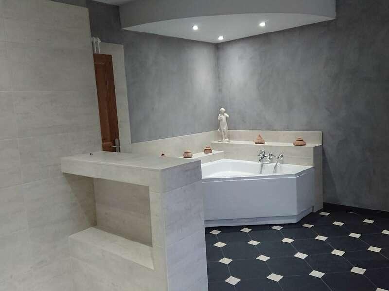 salle_de_bain_carrelage__pierre_naturerlle_et_beton_cire_5
