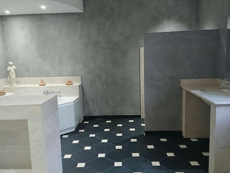 salle_de_bain_carrelage__pierre_naturelle_et_beton_cire_4