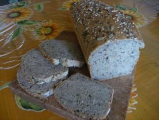 Pain aux graines sans gluten