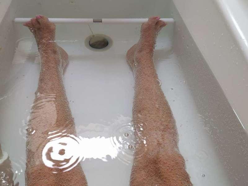 et les petites bulles recouvrent mes jambes !