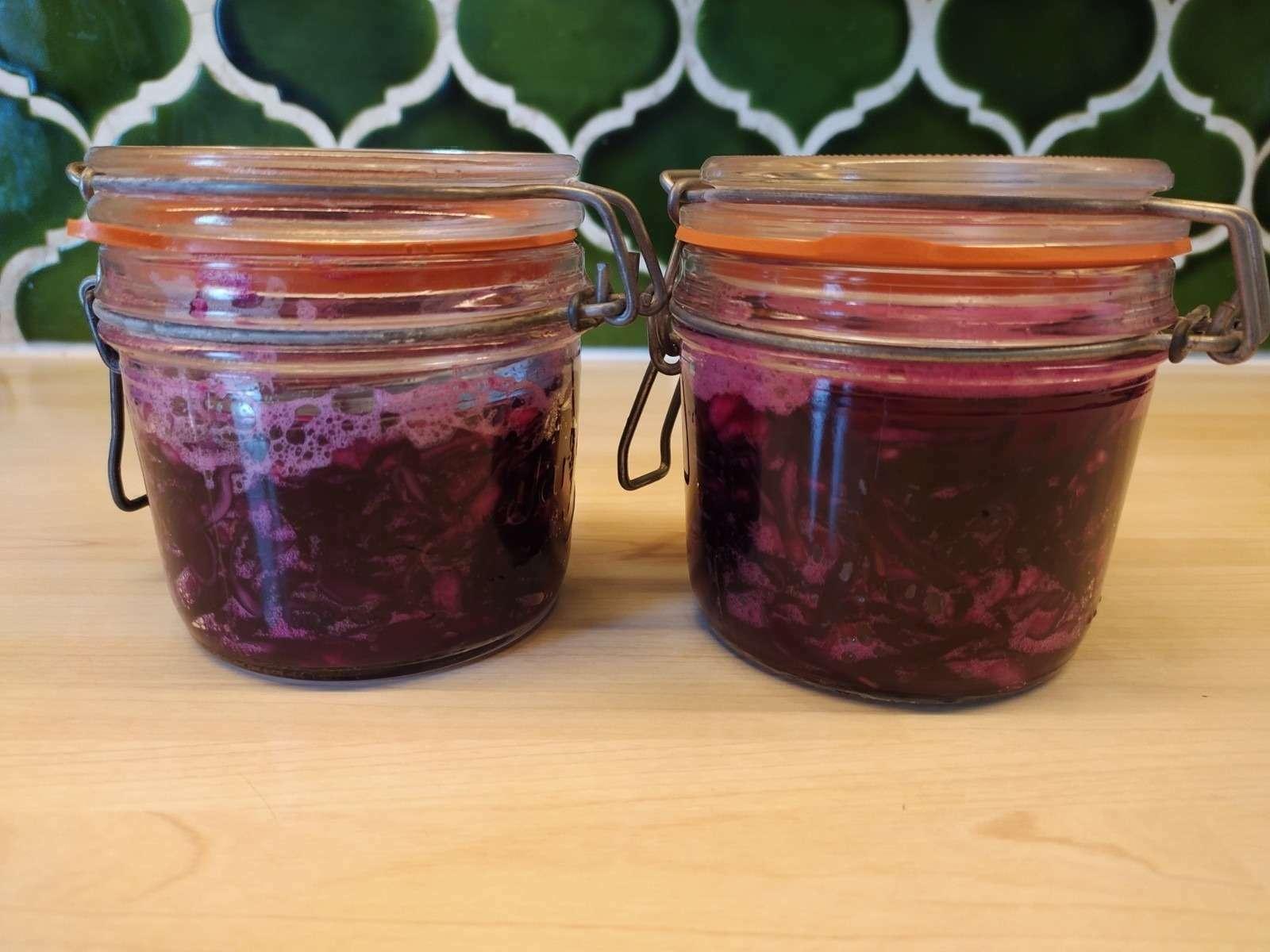 les bocaux sont prêts pour la fermentation