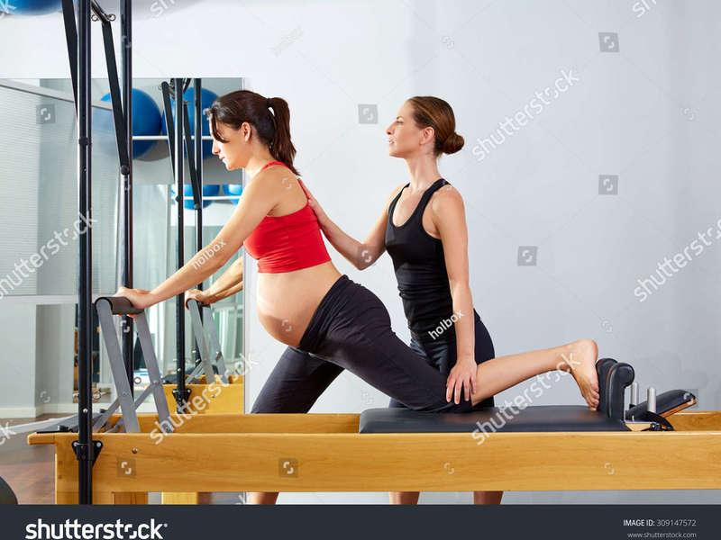 site_pilates_femme_enceinte_avec_prof_reformer
