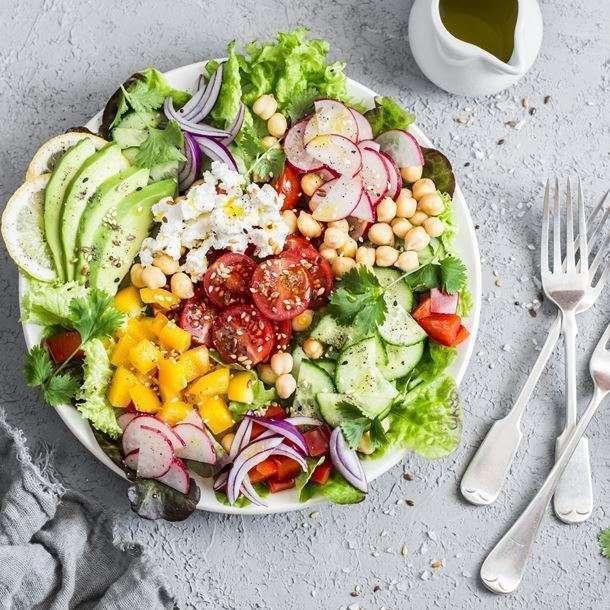 i128222-buddha-bowl-aux-legumes