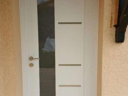 Portes: d'Entrées, d'Intérieures, Blindées et Portes de garages