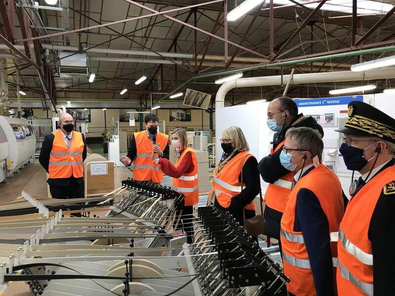 Visite de l'entreprise vendéenne Gautier aux côtés de la ministre déléguée chargée de l'industrie Agnès Pannier-Runacher. (Vendredi 22 janvier 2021)