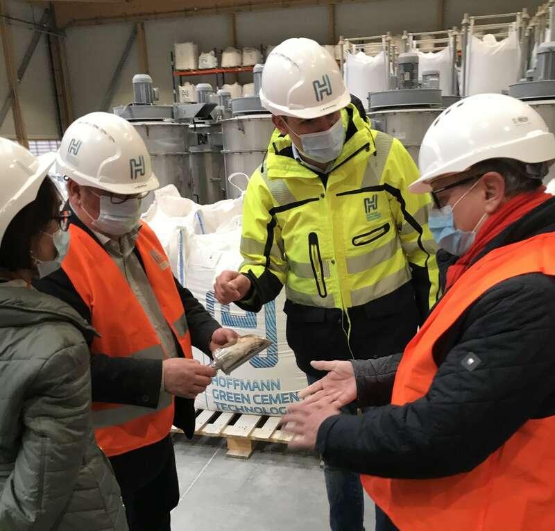 Visite de l'entreprise Hoffmann Green Cement Technologies à Bournezeau et rencontre du président du directoire Julien Blanchard. (Vendredi 5 mars 2021)