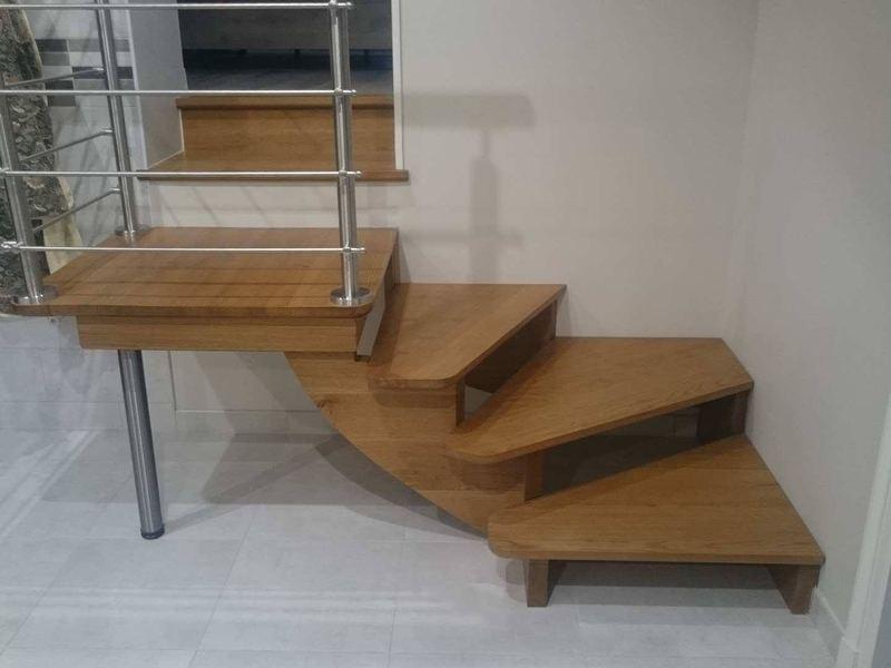 Escalier fabriqué en chêne et inox, Pouillac (17)
