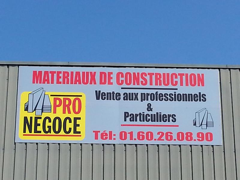 Vente aux particuliers & professionnels Possibilités d'enlèvement et de livraison sur chantier.