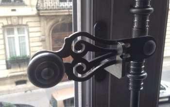 Fenêtre BOIS à l'ancienne Espagnolette à lacet à l'ancienne