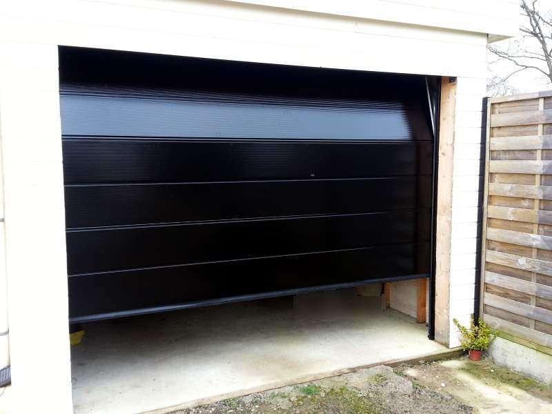 porte-de-garage-sectionnelle-noir20200106-2383943-a2hxab