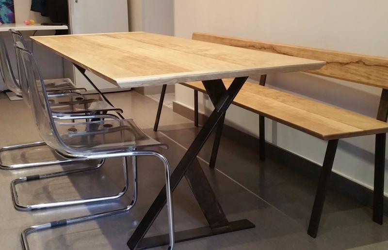 Table bois et acier noircis