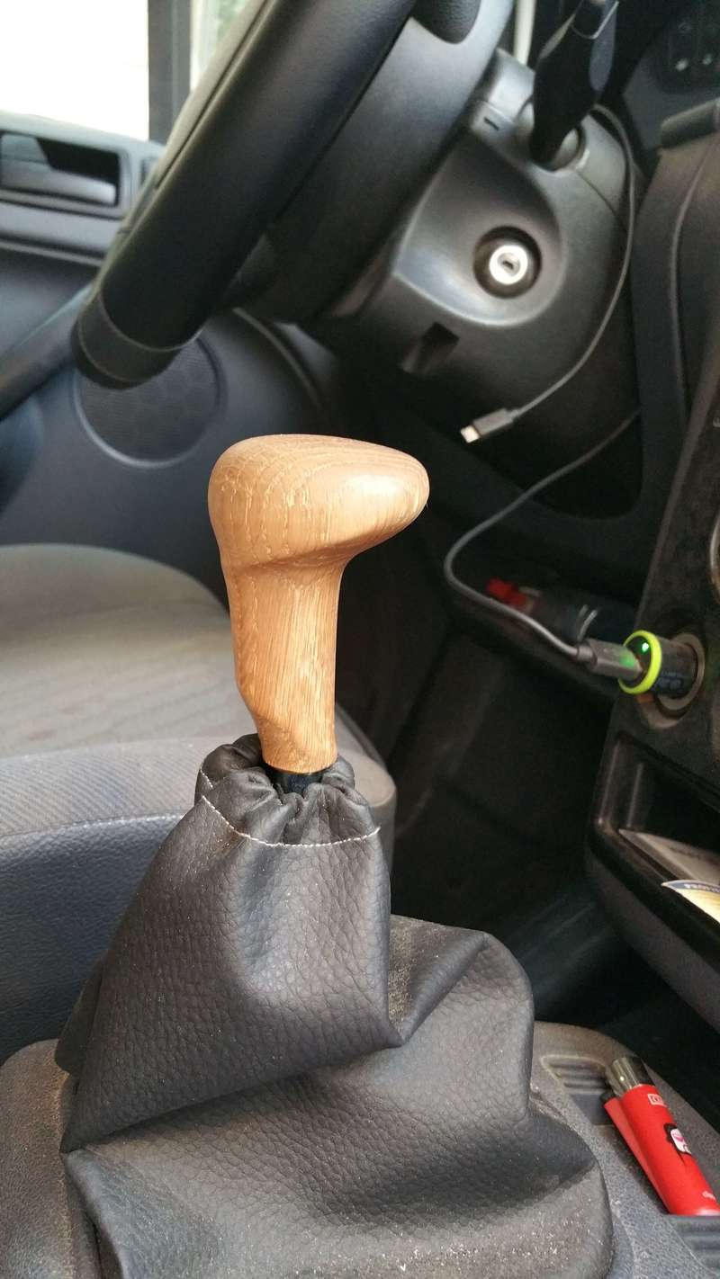 Paumeau  de vitesse en bois (chêne)