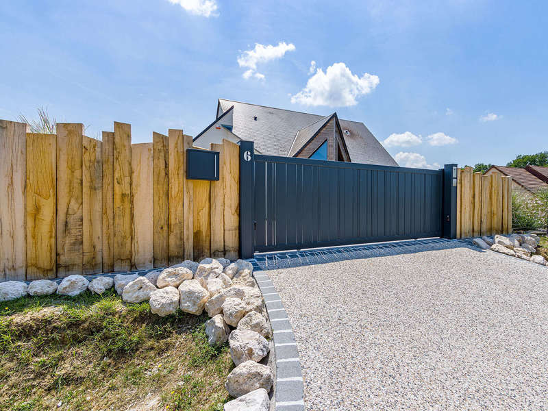 celina-portail-coulissant-aluminium-contemporain-anthracite