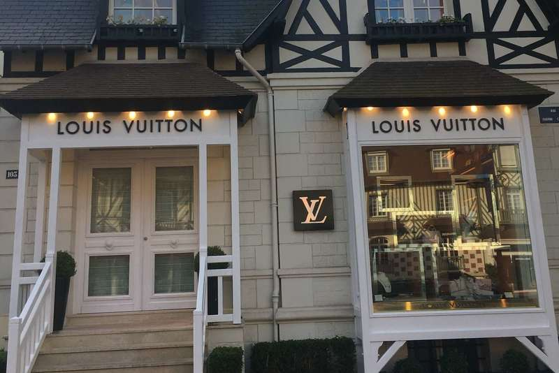 louis-vuitton-fabrication-facade-de-magasin-metz