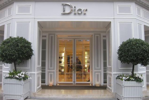 dior-habillage-facade-de-magasin-metz