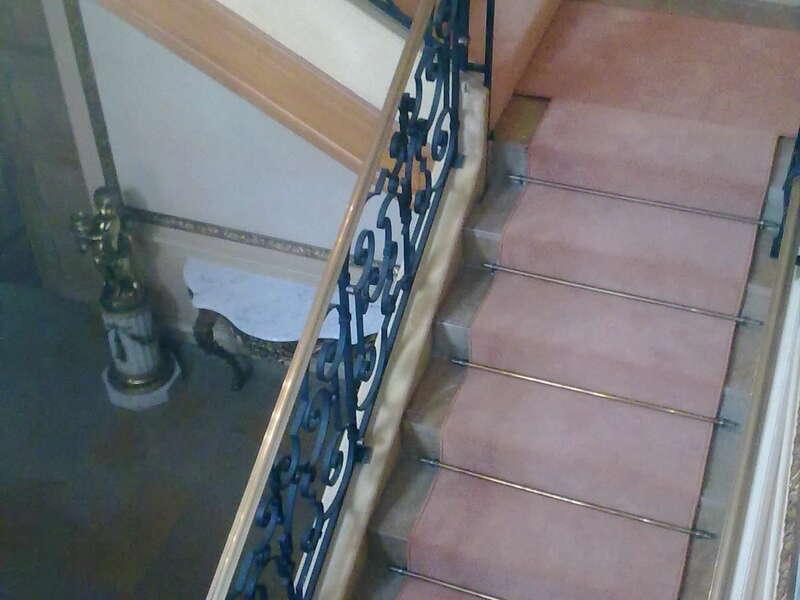descente_d_escalier_dans_villa