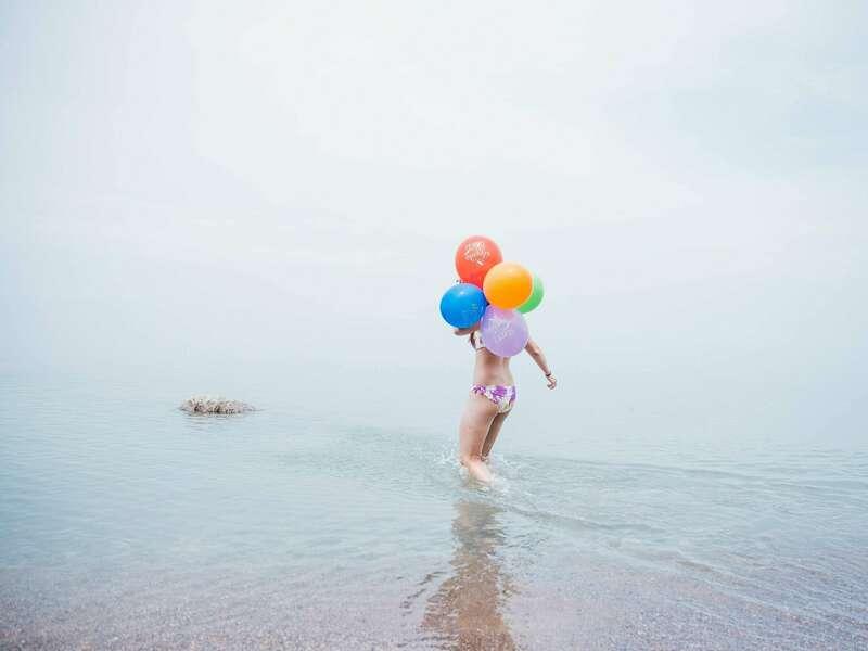 beach-party-balloons