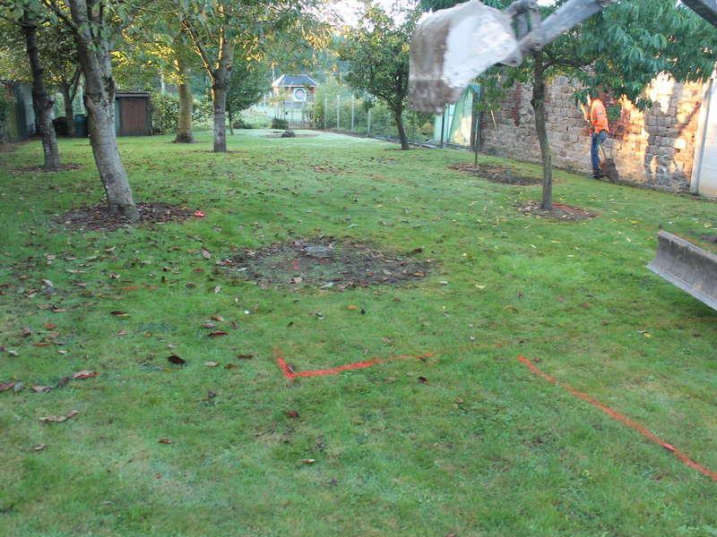 Terrain avant terrassement pour mise en place de filière : Filtre à sable vertical non drainé