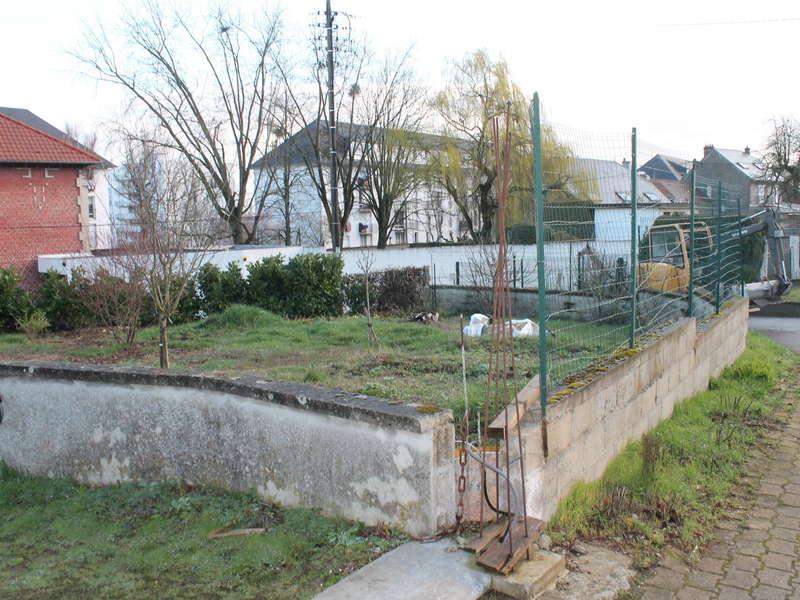 Démolition de l ancienne clôture et réalisation d'une clôture en panneaux rigides pour notre client.