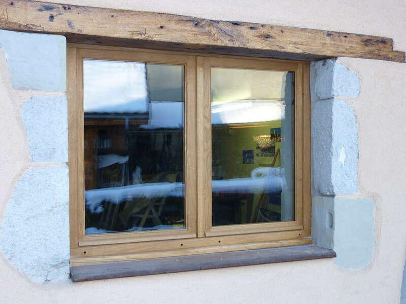Fenêtre 2 vantaux en chêne clair