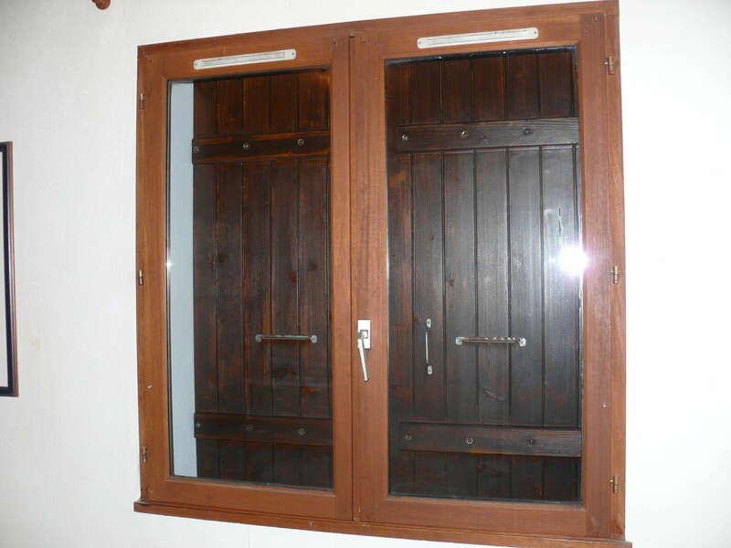 Avant : fenêtre en bois chêne doré