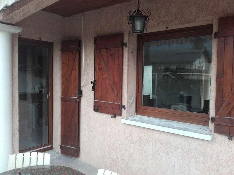 Après : fenêtre PVC chêne doré 1 vantail