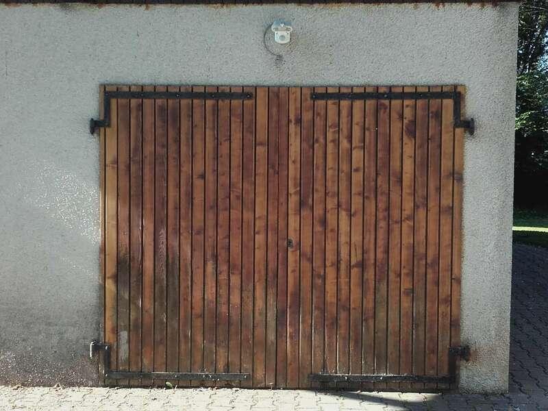 AVANT : Porte de garage battant en bois