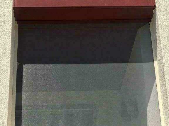 Moustiquaire verticale enroulable à Bonneville