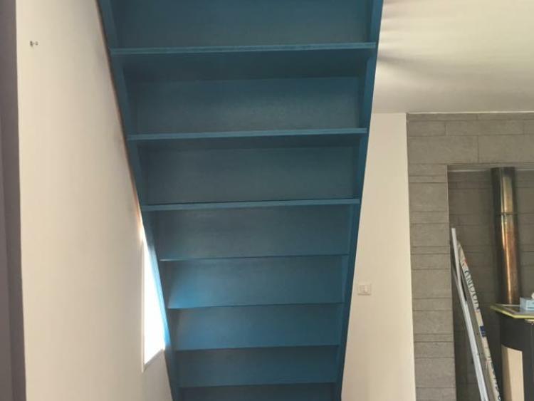 Peinture escalier bleu canard
