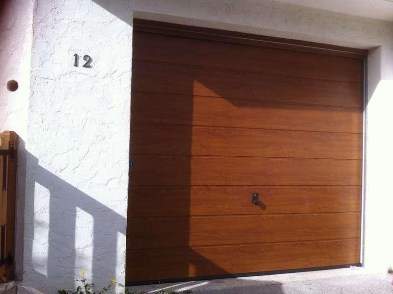 Porte de garage Alu/Acier couleur Faux Bois posée à Valberg