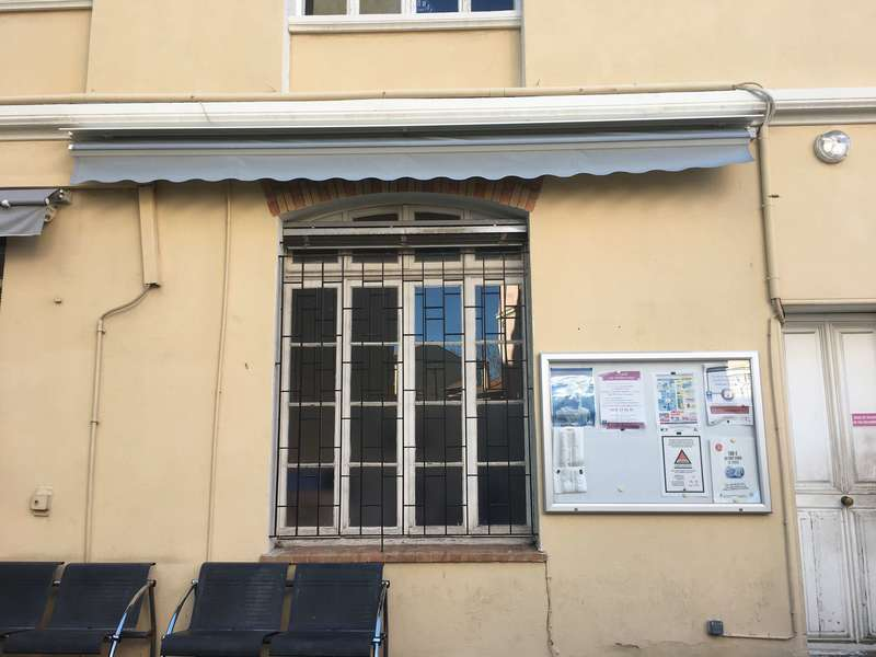 Store Auvent  Matest Lisbonne Somfy anti-vent 3D Posé par Jean Richard Aknin pour le CCAS de Cannes