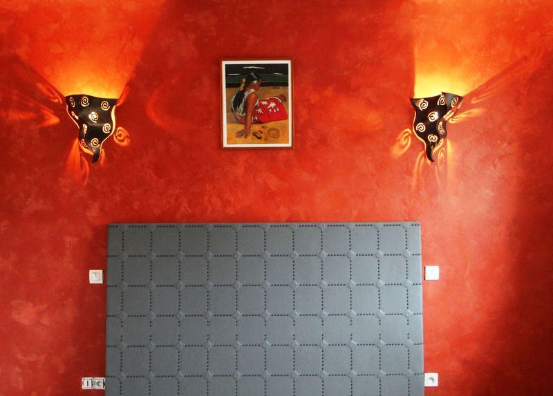 Mur Stuc d'Argile + Création tête de lit capitonnée