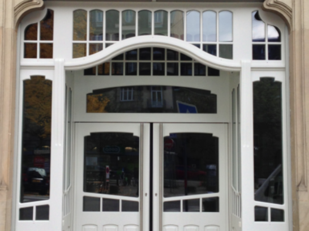 façade magasin arrondie