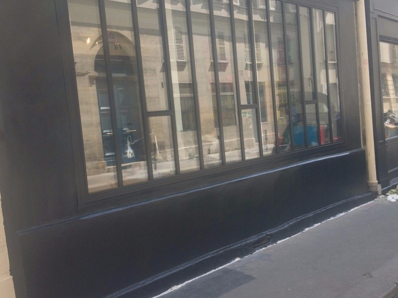 vitrage sur façade magasin