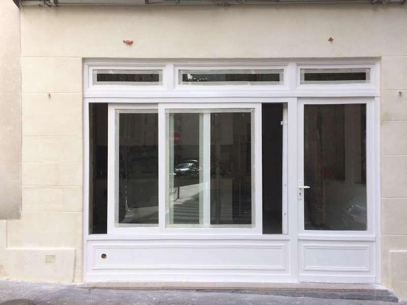 Fenêtre coulissante pour façade en bois