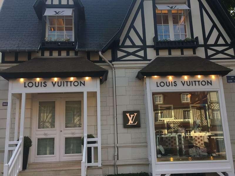 Façade  magasin luxe