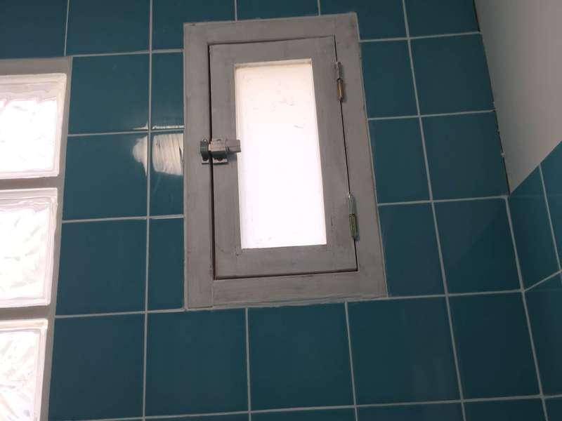 fenêtre salle de bais paris