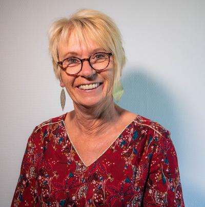 Corinne Morgino // Thérapeute et praticienne en hypnose Eriksonnienne, EMDR et EFT sur St Genis Laval.