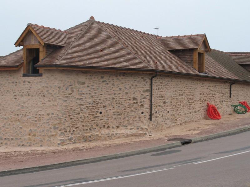 Couverture en tuile plate pressée 17/27 Sainte Foy coloris Chevreuse.