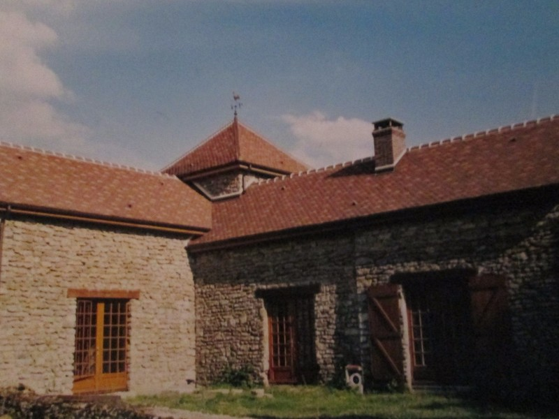 Habitation couverte en tuile plate Terreal.
