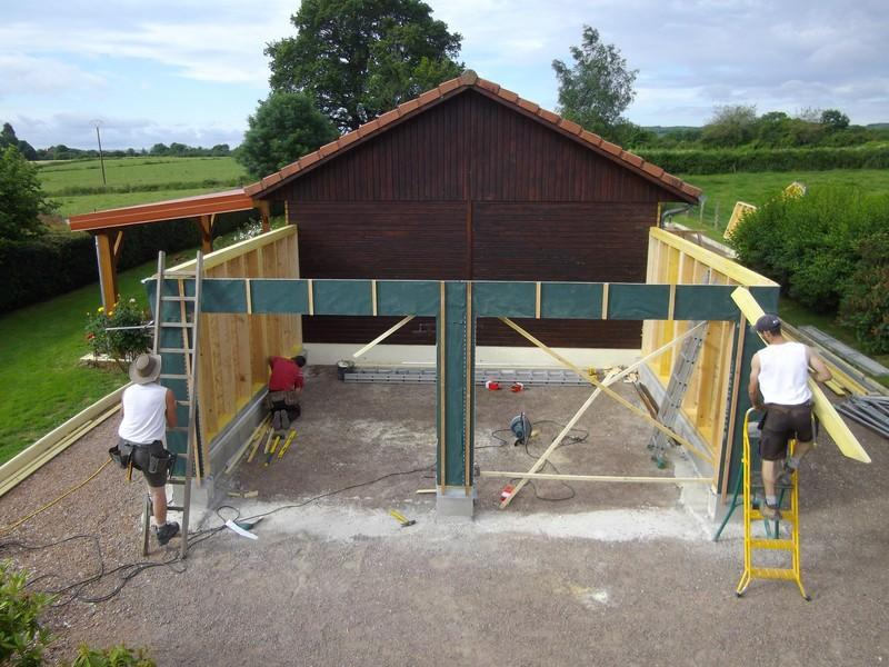 Murs à ossature bois pour un garage.