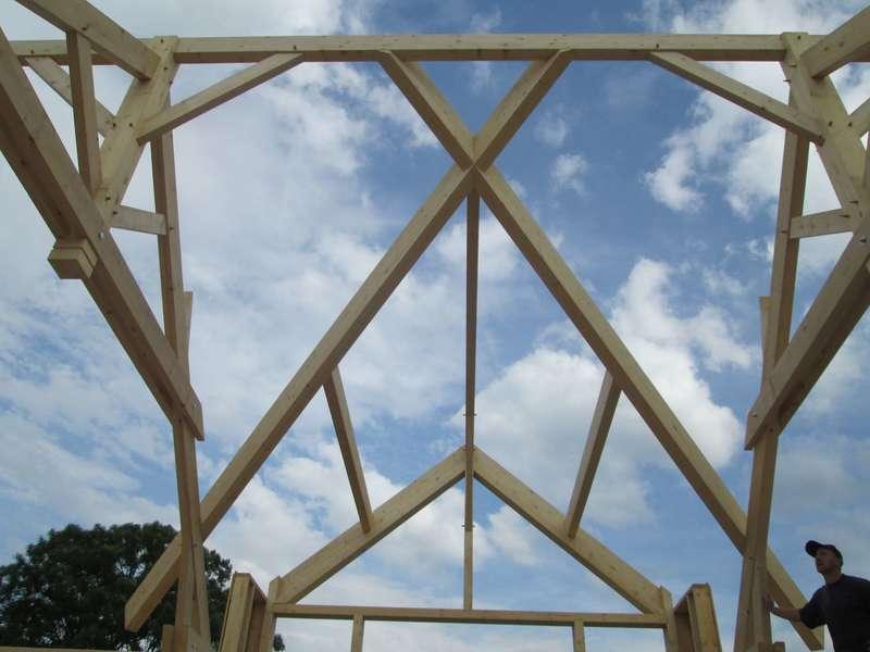 Croix de noue pour raccordement avec toit principal vue de l'intérieur.