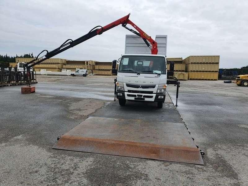 Camion grue 10m benne 15m3 6,3 tonnes de charge