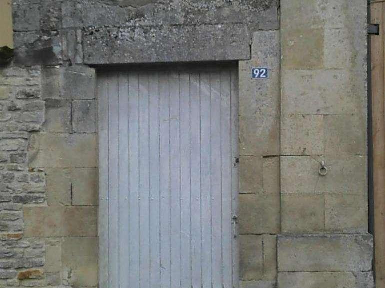 """Le bas de porte a été remplacé Fabrication sur mesure d'un bas de porte. Cette porte est""""sauvée"""""""