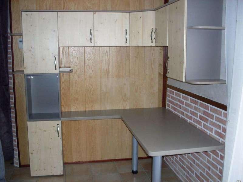 Bureau A partir de caissons de cuisine, création d'un meuble de bureau