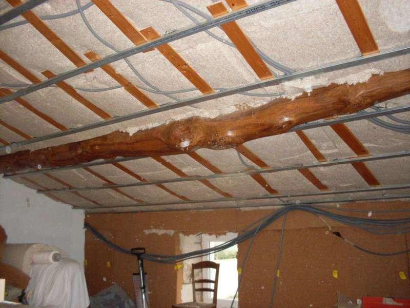 Isolation Plafond rampant Avant pose de la membrane perspirante et du lambris peuplier